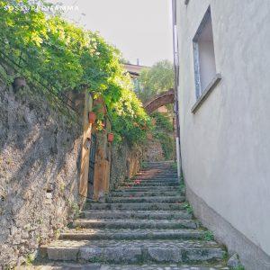 Scalinata che porta all'Orrido - Foto di Sossupermamma -