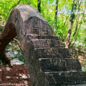 Piccola scala con porticina - Foto di Sossupermamma -