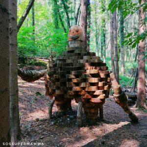Uno strano abitante del bosco - Foto di Sossupermamma -