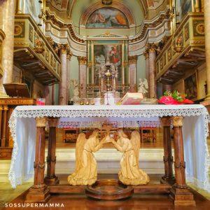 L'altare della Chiesa