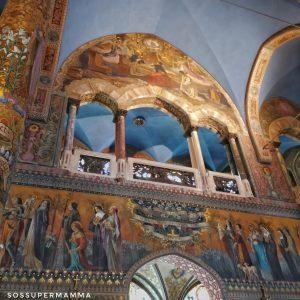 Alcuni degli affreschi all'interno del Santuario